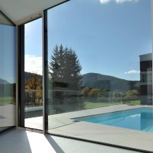 Panoramic fixed glazing in combination with the balcony door